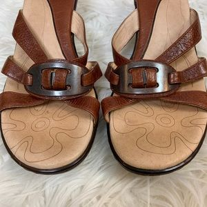 Sofft Shoes - Sofft Strappy Sandals Size 7.5